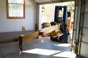 Using a forklift with extendable beam
